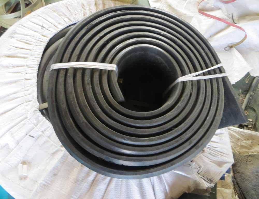 平板型橡胶